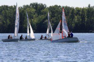 Verschiedene Bootsklassen zusammen